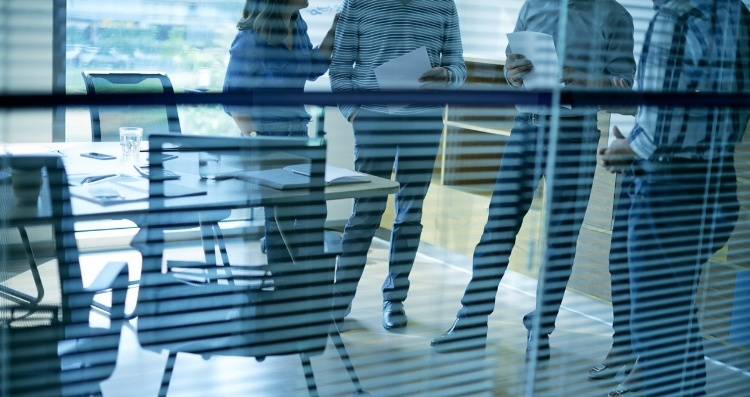 Selling and Marketing to Multiple Decision Makers-676119-edited.jpg